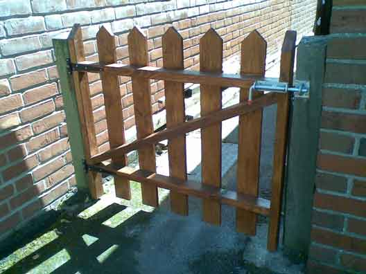 custom made wooden gate manufactured and installed by SKWORKS
